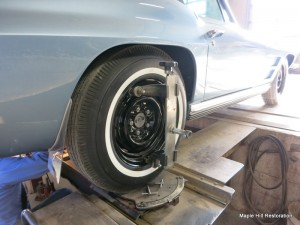 Setting the caster and camber on the rear wheels